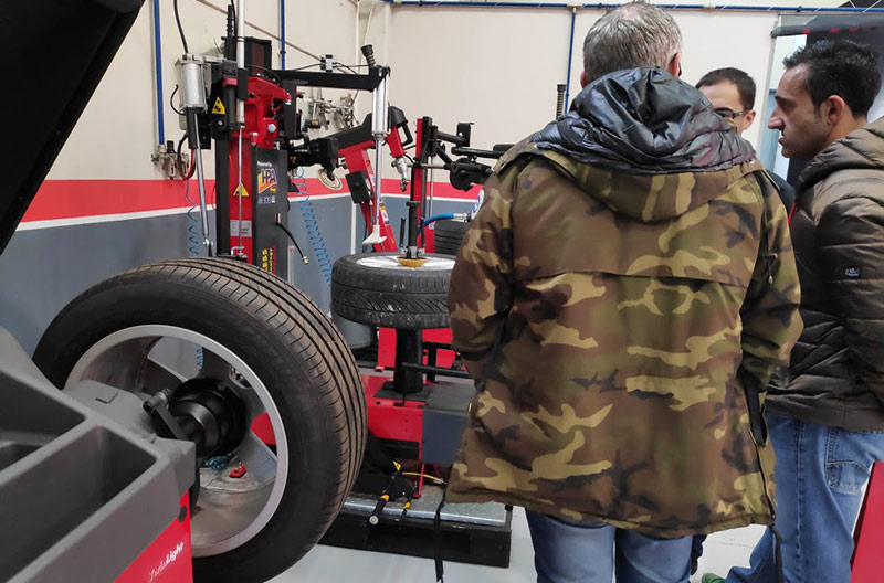demostración desmontadoras de neumáticos